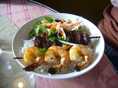 Bun tom thit nuong - Vermicelli with Charbroiled Shrimp and Pork